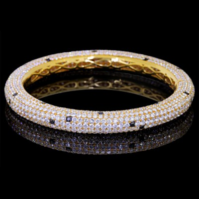 White & Black Diamond Bangle Yellow 14K Gold Pave' 29 g